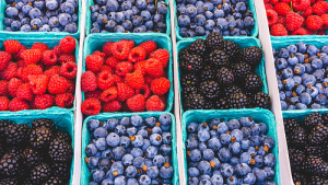 Seasonal & local fruits and vegetables are great bank for your buck!